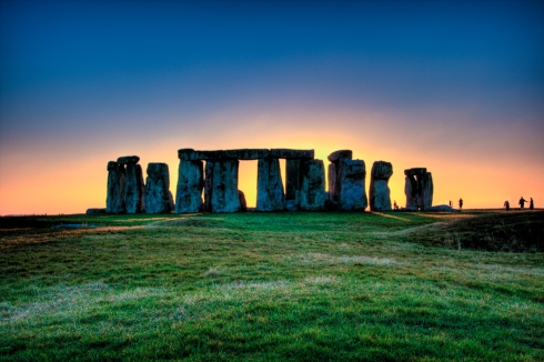 Stonehenge_in_HDR_02